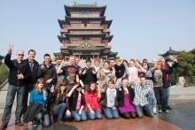 Alle Chinafahrer vor dem Tengwan Tempel